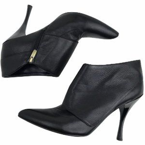 ENZO ANGIOLINI black leather ankle boots. SZ 10